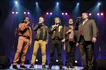 Flying Pickets Photo: Robert Day